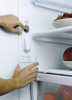 Где находится фильтр в холодильнике